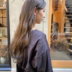 ナチュラル 透明感カラー お洒落 くすみベージュ ヘアスタイルや髪型の写真・画像
