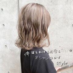 ブラウンベージュ 切りっぱなしボブ ナチュラル ボブ ヘアスタイルや髪型の写真・画像