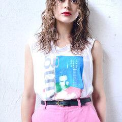 ミディアムレイヤー ミルクティーベージュ ロング レイヤーカット ヘアスタイルや髪型の写真・画像