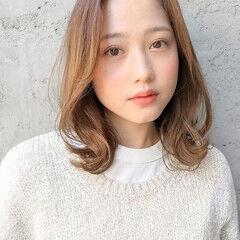 ミディアムレイヤー ミニボブ コテアレンジ シンプル ヘアスタイルや髪型の写真・画像