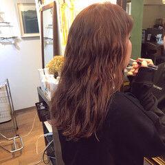 ナチュラル ロング ピンク サーモンピンク ヘアスタイルや髪型の写真・画像