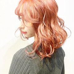 コーラル ストリート ショートボブ チェリーピンク ヘアスタイルや髪型の写真・画像