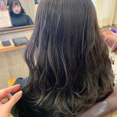 暗髪 セミロング 外国人風 ブルーブラック ヘアスタイルや髪型の写真・画像