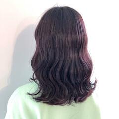 ピンクパープル ラベンダーピンク ガーリー コテ巻き ヘアスタイルや髪型の写真・画像