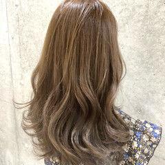 ヌーディベージュ セミロング ゆるナチュラル グレージュ ヘアスタイルや髪型の写真・画像