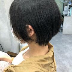 ショートボブ 透明感カラー 流し前髪 ナチュラル ヘアスタイルや髪型の写真・画像