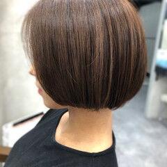 フェミニン 流し前髪 大人かわいい 透明感カラー ヘアスタイルや髪型の写真・画像
