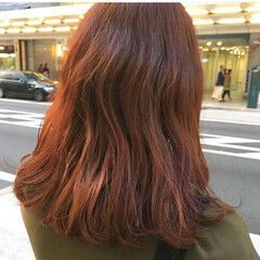 ナチュラル レイヤーロングヘア ブラットオレンジ オレンジカラー ヘアスタイルや髪型の写真・画像