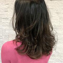 ロング レイヤーカット 大人ロング ほつれウエーブ ヘアスタイルや髪型の写真・画像