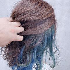 セミロング ユニコーンカラー ウルフカット インナーブルー ヘアスタイルや髪型の写真・画像