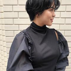 ショートヘア インナーカラー ショート 黒髪ショート ヘアスタイルや髪型の写真・画像