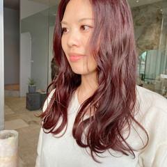 ヘアカラー モード レッドカラー ロング ヘアスタイルや髪型の写真・画像