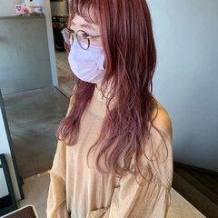 フェミニン ロング ハイライト ヘアスタイルや髪型の写真・画像