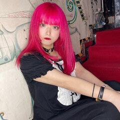 ハイトーンカラー セミロング ピンク エクステ ヘアスタイルや髪型の写真・画像