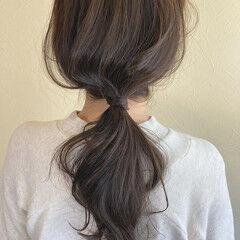 ゆるナチュラル ポニーアレンジ ナチュラル ロング ヘアスタイルや髪型の写真・画像