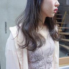 くすみベージュ 透明感カラー ナチュラル くすみカラー ヘアスタイルや髪型の写真・画像