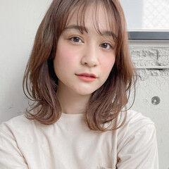 シースルーバング ひし形シルエット ミディアム ウルフカット ヘアスタイルや髪型の写真・画像
