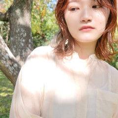 ナチュラル 透明感カラー ウルフカット ミディアム ヘアスタイルや髪型の写真・画像
