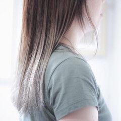 グラデーション シルバーグレー ホワイトシルバー グラデーションカラー ヘアスタイルや髪型の写真・画像