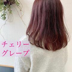 ロング レッド レッドカラー ガーリー ヘアスタイルや髪型の写真・画像