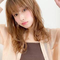 レイヤーカット ナチュラル 大人かわいい 毛先パーマ ヘアスタイルや髪型の写真・画像