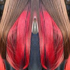 ロング カシスレッド インナーカラー インナーカラーレッド ヘアスタイルや髪型の写真・画像
