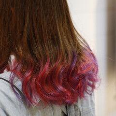 レッド セミロング グラデーションカラー ツートン ヘアスタイルや髪型の写真・画像