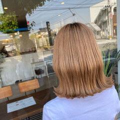 切りっぱなしボブ 外ハネボブ ナチュラル ハイトーンボブ ヘアスタイルや髪型の写真・画像
