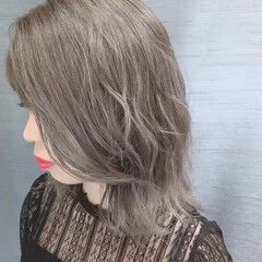 ホワイティベージュ 圧倒的透明感 イルミナカラー ナチュラル ヘアスタイルや髪型の写真・画像
