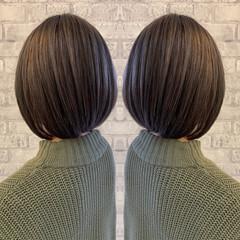 グレーアッシュ アッシュグレージュ アッシュグレー ミニボブ ヘアスタイルや髪型の写真・画像