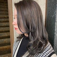 モード ミディアム ハイライト 質感カラー ヘアスタイルや髪型の写真・画像