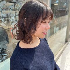 ショートヘア 波ウェーブ フェミニン ボブ ヘアスタイルや髪型の写真・画像
