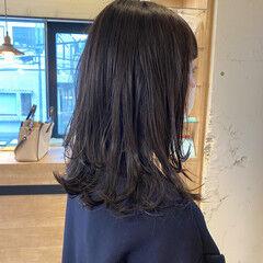 グレージュ くびれカール ナチュラル 髪質改善トリートメント ヘアスタイルや髪型の写真・画像