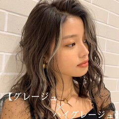 うぶ毛ハイライト PEEK-A-BOO ミディアム スライシングハイライト ヘアスタイルや髪型の写真・画像