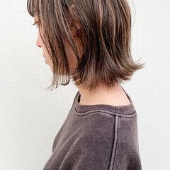 コントラストハイライト 切りっぱなしボブ ハイライト 大人かわいい ヘアスタイルや髪型の写真・画像