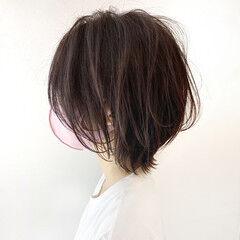 重軽 ショートヘア ショートボブ ナチュラル ヘアスタイルや髪型の写真・画像