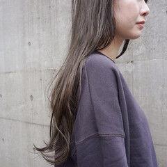 暗髪 くすみベージュ ナチュラル くすみカラー ヘアスタイルや髪型の写真・画像