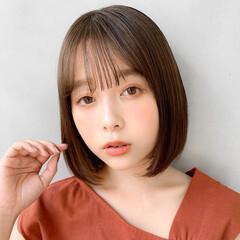 インナーカラーグレー ふわふわヘアアレンジ 鎖骨ミディアム くびれカール ヘアスタイルや髪型の写真・画像