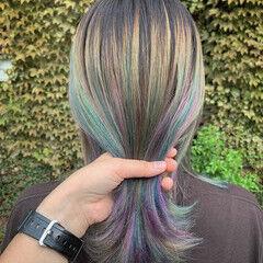 セミロング ラズベリーピンク ストリート ユニコーン ヘアスタイルや髪型の写真・画像