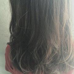 ナチュラル ゆるふわ 前髪あり リラックス ヘアスタイルや髪型の写真・画像