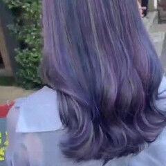 紫 バイオレットカラー 青紫 セミロング ヘアスタイルや髪型の写真・画像