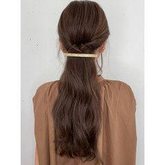 ハーフアップ セルフヘアアレンジ セルフアレンジ 簡単ヘアアレンジ ヘアスタイルや髪型の写真・画像