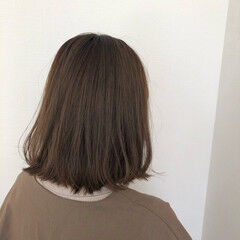 オリーブアッシュ ワンカールスタイリング ミルクティーベージュ オリーブグレージュ ヘアスタイルや髪型の写真・画像