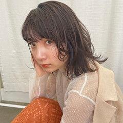 アッシュグレージュ アッシュベージュ ミディアム 透明感カラー ヘアスタイルや髪型の写真・画像