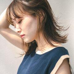 ショートヘア セミロング ナチュラル インナーカラー ヘアスタイルや髪型の写真・画像