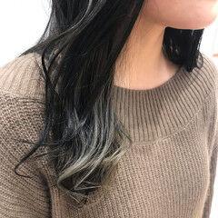 インナーカラーグレージュ ポイントカラー ナチュラル おしゃれ ヘアスタイルや髪型の写真・画像