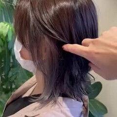 インナーカラーグレー ホワイトグレージュ ミディアム インナーカラーシルバー ヘアスタイルや髪型の写真・画像