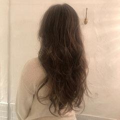 大人ロング ナチュラル ロング ハイライト ヘアスタイルや髪型の写真・画像
