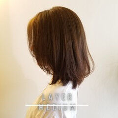 ミディアムレイヤー エレガント レイヤースタイル ショートレイヤー ヘアスタイルや髪型の写真・画像