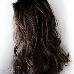 ナチュラル ロング ダークカラー 大人ハイライト ヘアスタイルや髪型の写真・画像